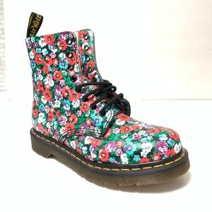 NWOT Dr Martens 1460 Pascal Boots Floral